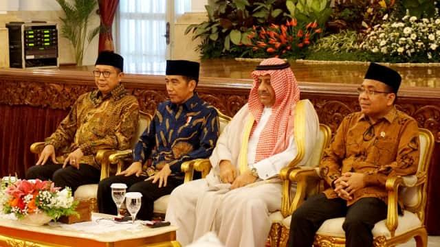Jokowi Terima Peserta Musabaqah Al-Quran se-Asia Pasifik di Istana