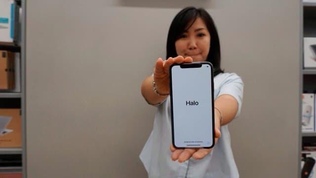 Apple Sempat Mau Hilangkan Lubang Charging Baterai di iPhone X