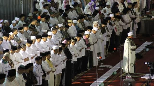 HNW Apresiasi Pemprov DKI Ikuti Saran Ulama Gelar Tarawih di Istiqlal