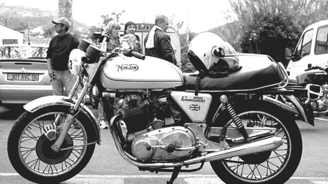 Inggris dan 4 Sepeda Motor Klasik Mereka yang Legendaris