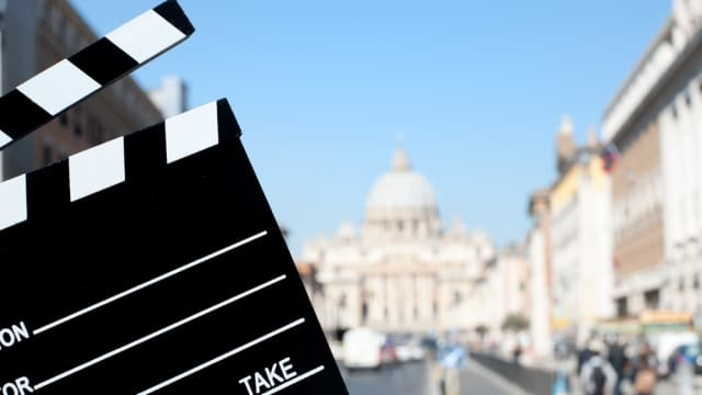 7 Film yang Wajib Ditonton Penggemar Traveling, Mana Favoritmu?