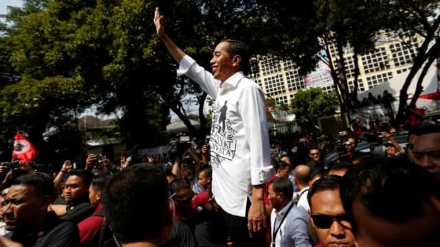 Seratus Bala Jubir Jokowi