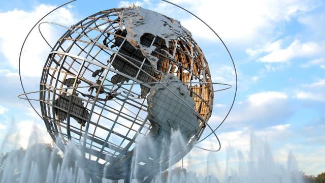 Benci tapi Rindu: Globalisasi