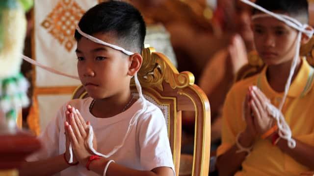 12 Anak yang Terjebak di Gua Thailand Mulai Prosesi Jadi Biksu Muda