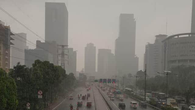 Waspada Hujan Disertai Petir Terjadi di Jabodetabek, Siang Ini