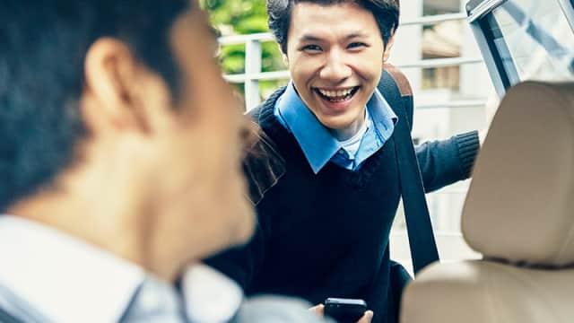 Tarif Taksi Online Rendah, Banyak Mitra Sopir Tak Kuat Cicil Mobil