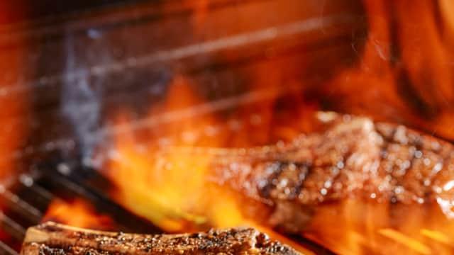 Datang Dini Hari, Pelanggan Waffle House Memasak Makanannya Sendiri