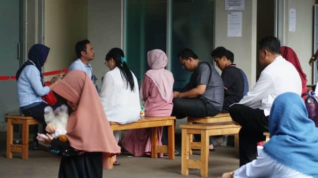Keluarga Rita Widyasari dan Aditya Moha Sambangi Rutan KPK