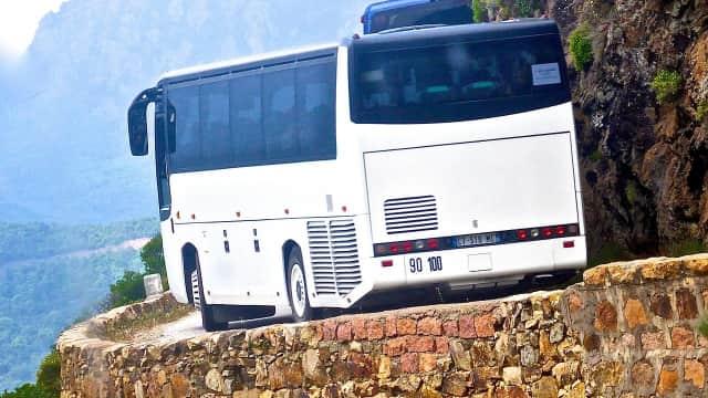 Bus di Peru Jatuh ke Jurang Sedalam 100 Meter, 22 Orang Tewas