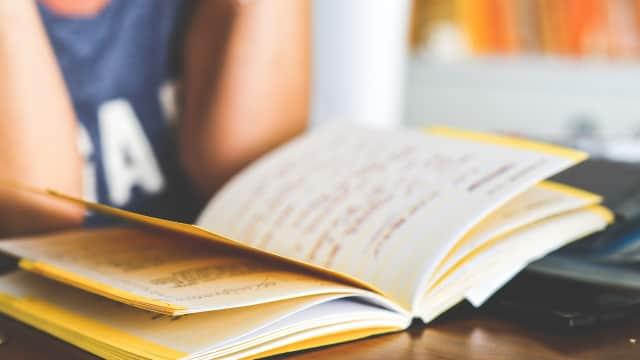 Semua Murid Semua Guru: Sekolah Tidak Selalu Sama dengan Belajar