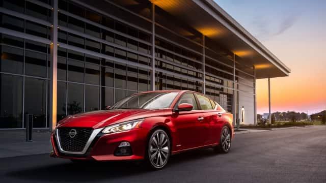 Nissan Yakin Mobil Sedan Akan Tarik Minat Milenial