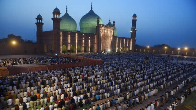 Jurnalis Saudi Minta Jumlah Masjid Dikurangi Karena Banyak Mudaratnya