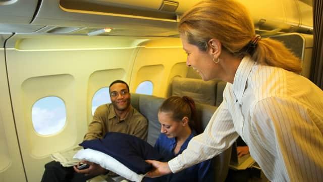 Alasan Mengapa Temparatur di Kabin Pesawat Membuatmu Menggigil