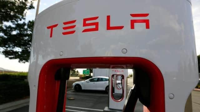 Berhasil Jual 200.000 Unit Mobil, Kredit Pajak Tesla Turun 50 Persen
