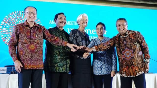Hujan Tepuk Tangan Tutup Pertemuan IMF-World Bank di Bali
