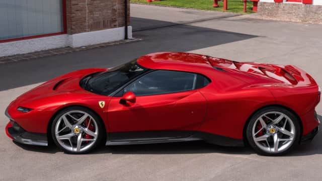 JK Usul Impor Ferrari dan Lamborghini Dikurangi