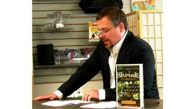 Tebak Tokoh: Salah Satu Novelis Fiksi Terbaik Amerika