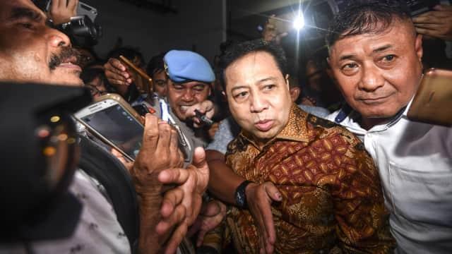 Setya Novanto Salat Jumat di KPK Jelang Dieksekusi ke Lapas Sukamiskin