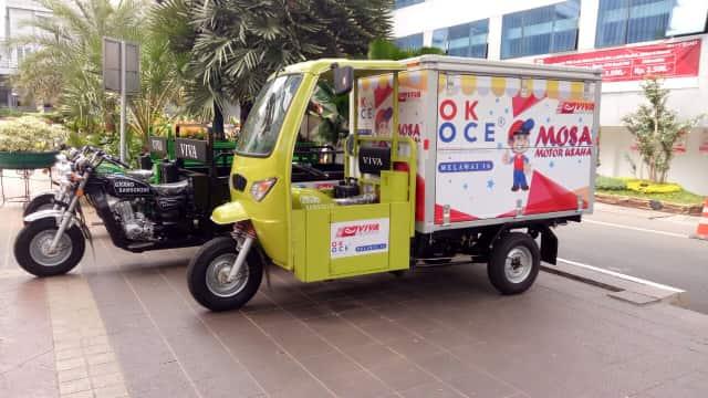 Motor Gerobak OK OCE Ramaikan Pesta Rakyat Anies-Sandi di Balai Kota
