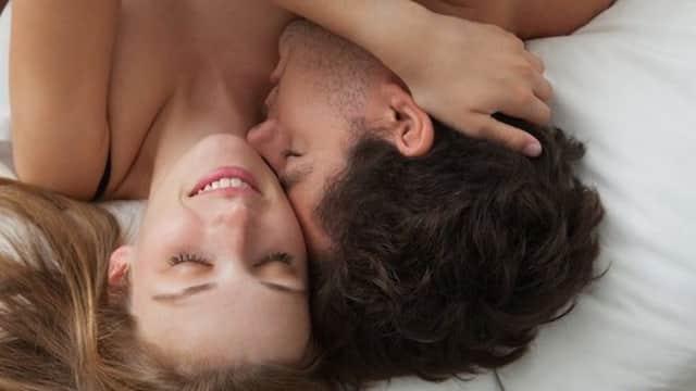 Mau Bikin Perempuan Senang Saat Bercinta? Begini Caranya