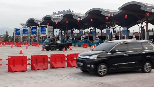 Polisi Mulai Terapkan Sistem One Way Parsial di Tol Cipali