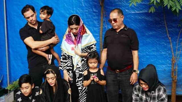 Keluarga Masih Sering Menangis Lihat Tayangan Julia Perez di Televisi