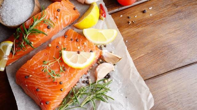 7 Kesalahan Umum yang Sering Dilakukan Saat Mengolah Salmon