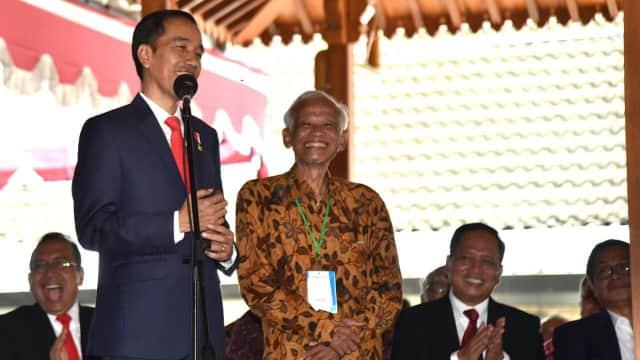 Jokowi dan Dosen Pembimbing Skripsi yang Pernah Membentaknya