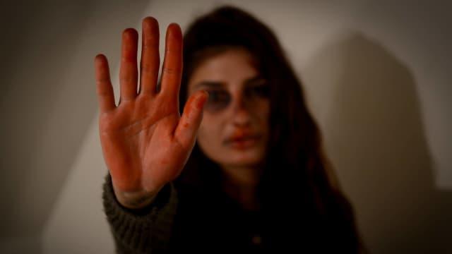 3 Langkah Bantu Teman yang Mengalami Kekerasan dalam Pacaran
