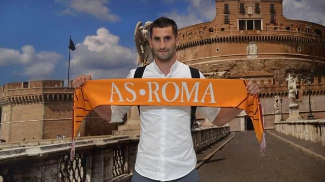 Roma Rekrut Maxime Gonalons dari Lyon