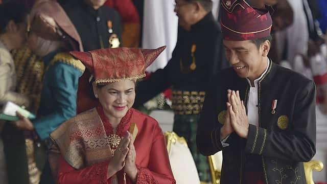Jokowi, Doa, dan Upacara