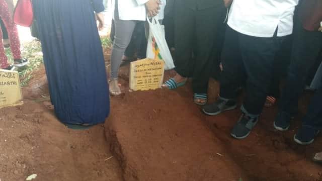 Tidak Ada Taburan Bunga dan Doa Bersama di Pemakaman Debby Nasution