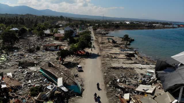 Berdiam di Tanah Bergerak: Kisah Negeri Seribu Gempa
