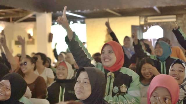 300 Driver Wanita Grab Indonesia Ikuti Pelatihan Safety Riding