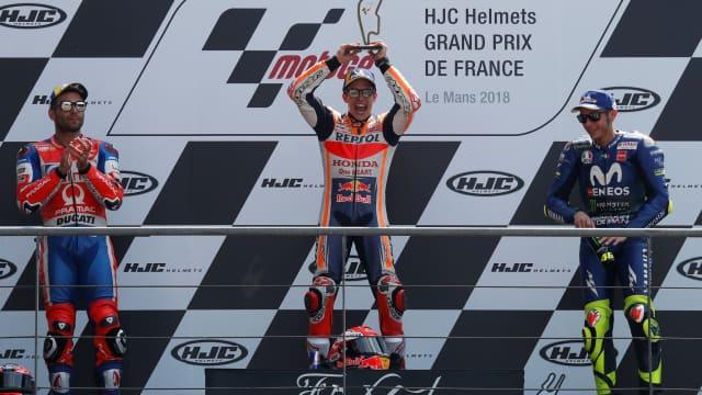 MotoGP Prancis: Dovizioso dan Zarco Crash, Marquez Raih Podium Pertama