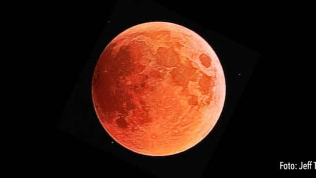 Cuma Gerhana Bulan Total Biasa
