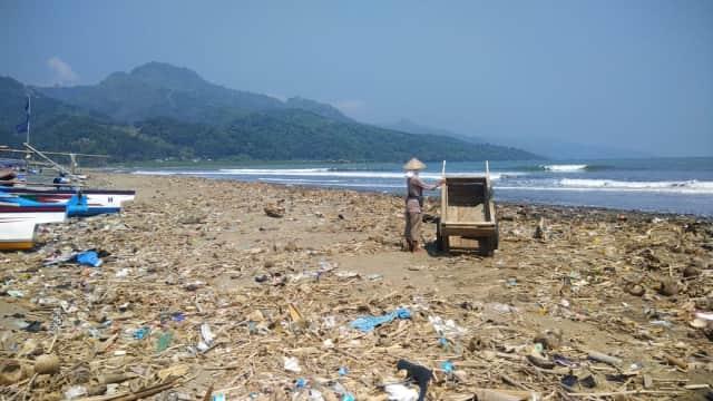 Rangkum 3 Juni 2018: Prabowo-Amien-Rizieq hingga Sampah Pantai Loji