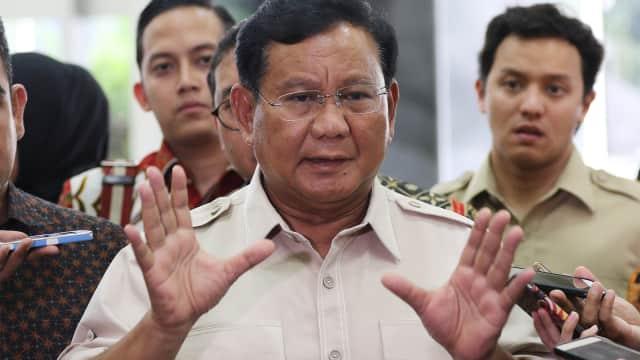 Prabowo Kritik TNI Lemah hingga Pembagian Sembako Penguasa