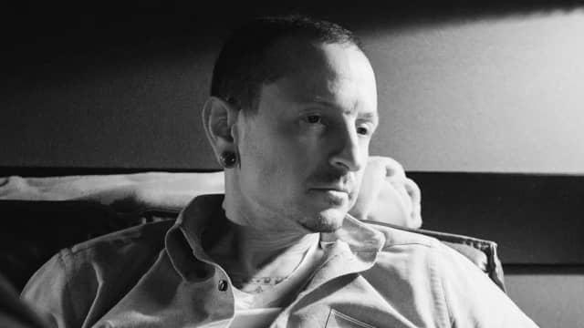 200 Orang Hadiri Pemakaman Tertutup Chester Bennington 'Linkin Park'