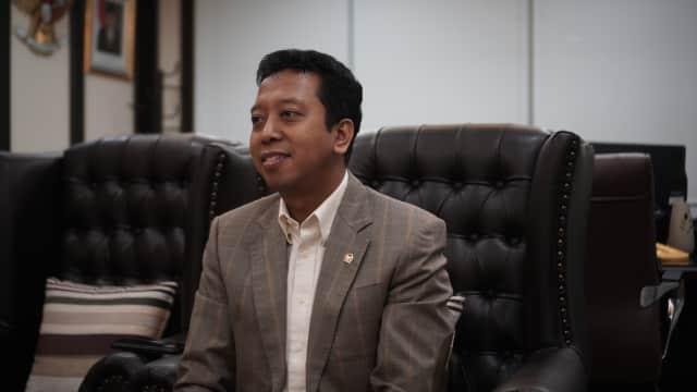 Ketua Timses Jokowi di Atas 60 Tahun, Pengalaman di Sektor Publik