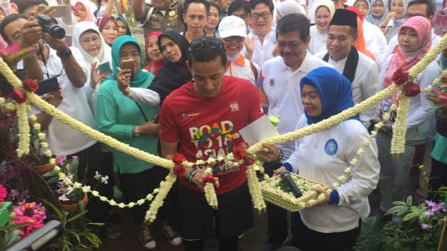Sandi Resmikan Gerai Tani OK OCE di Pasar Minggu, Jaksel