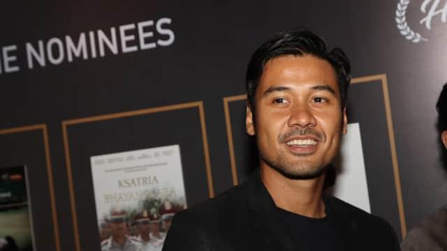 Chicco Jerikho Tampil Gondrong dan Berewokan di 'Foxtrot Six'