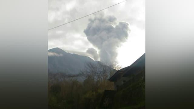Gunung Agung Meletus, Arus Mudik Masih Aman