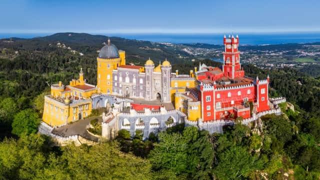 Pena Palace, Kastil Instagramable di Portugal yang Hadir pada Abad 19
