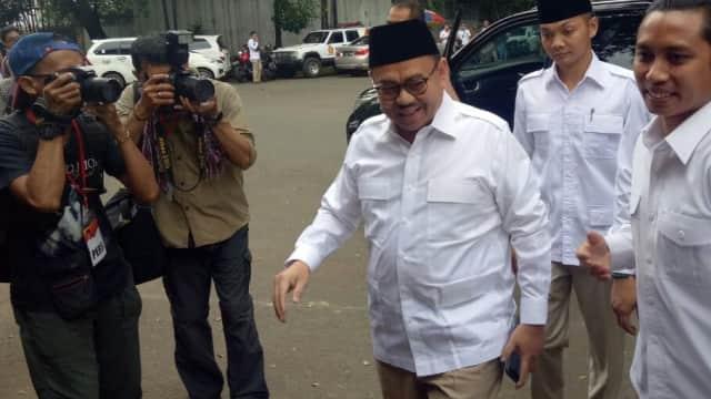 Berseragam ala Prabowo, Sudirman Said Hadiri Deklarasi Cagub Jateng