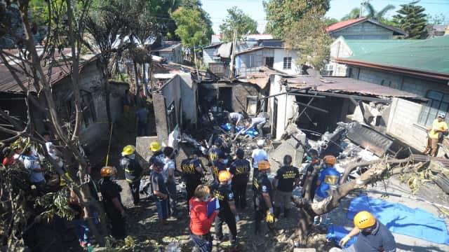 Pesawat di Filipina Jatuh Timpa Rumah, 10 Orang Meninggal
