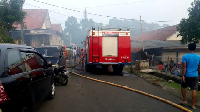 Kompleks Marinir di Cilandak Terbakar, 16 Unit Pemadam Dikerahkan