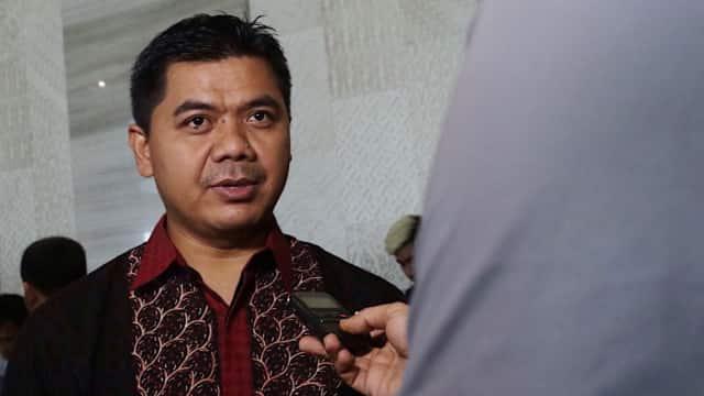 Mantan Ketua KPU Juri dan Artis Cathy Sharon Masuk Timses Jokowi