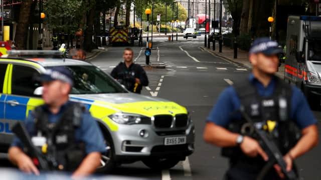 Penabrakan di Dekat Gedung Parlemen Inggris Diduga Terorisme