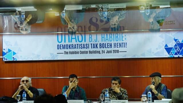 Kisah BJ Habibie: Ditawari Jadi Wapres Malah Menggantikan Soeharto